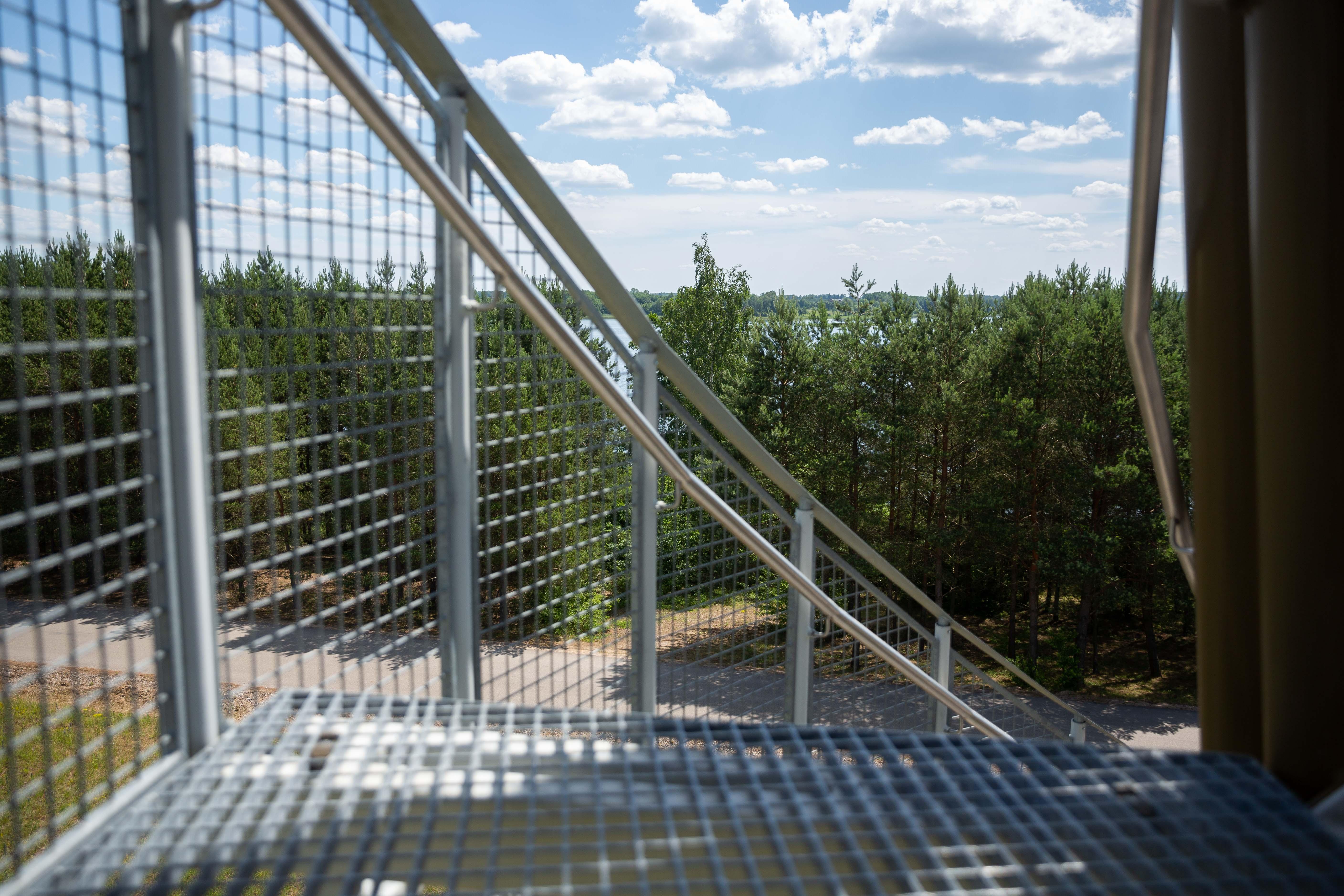 Ne veltui mažytėje Lietuvoje įkurta net 30 regioninių bei 5 nacionaliniai parkai. Kiekviename iš jų saugomi saviti, tik tam kraštui būdingi, gamtos turtai.